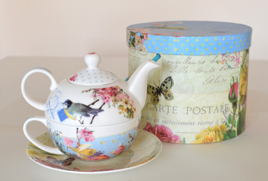 tea for one set vintage porcelain accessories postallove postcards made with love. Black Bedroom Furniture Sets. Home Design Ideas