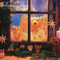 Two teddy bears in the window