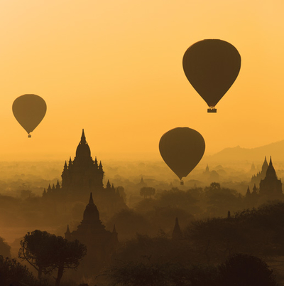 Sunrise over the temple plains of Bagan