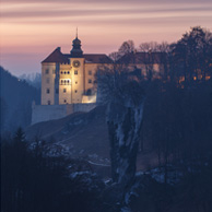 Poland - Love to be here... - Castle on limestone cliff
