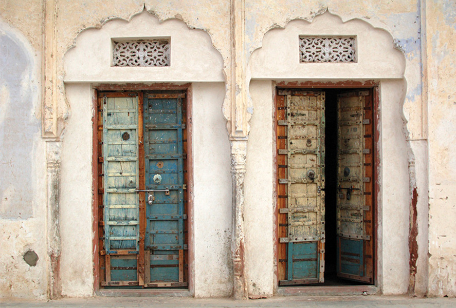 Antique doors to the temple ... - Antique Doors To The Temple / Stairs, Doors And Windows / Postcards